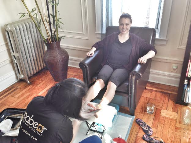 pedicure-in-my-living-room-with-spabear