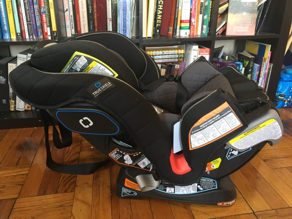 Why Do We Love The Graco Extend2FitTM 3 In 1 Car Seat